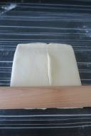 on donne des pressions pour emprisonner le beurre